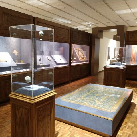 Museum showcases under the new LED track lighting